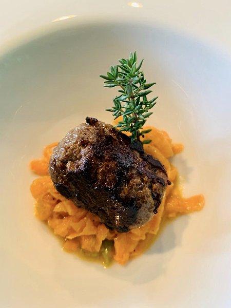 Wildrezept: Köttbullar vom Elch mit Süßkartoffel-Salat